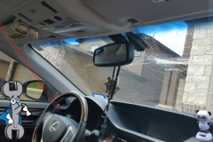 lexus-sedan-new-windshield-replacement